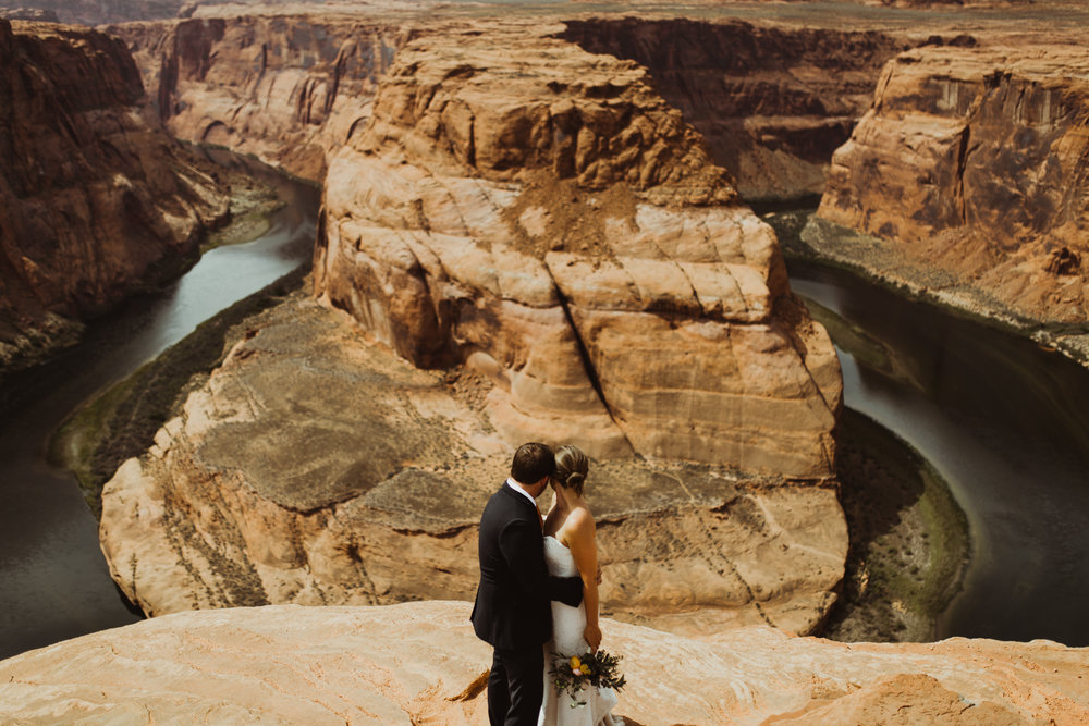 ©Isaiah + Taylor Photography - Lake Powell Elopement & Antelope Canyon & Horseshoe Bend, Page, Arizona-101.jpg