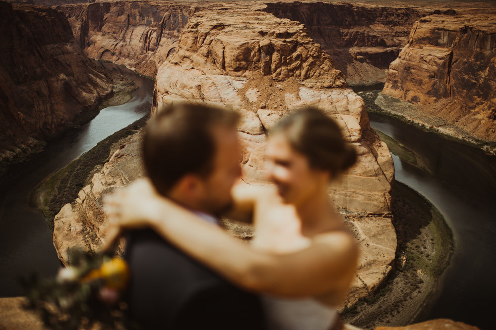 ©Isaiah + Taylor Photography - Lake Powell Elopement & Antelope Canyon & Horseshoe Bend, Page, Arizona-103.jpg