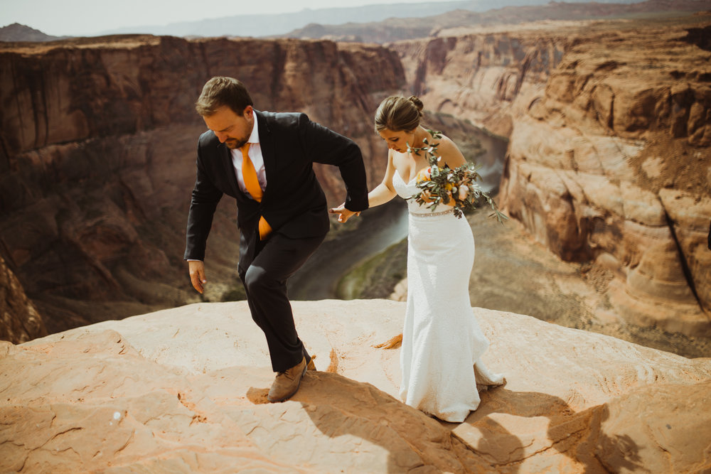 ©Isaiah + Taylor Photography - Lake Powell Elopement & Antelope Canyon & Horseshoe Bend, Page, Arizona-107.jpg