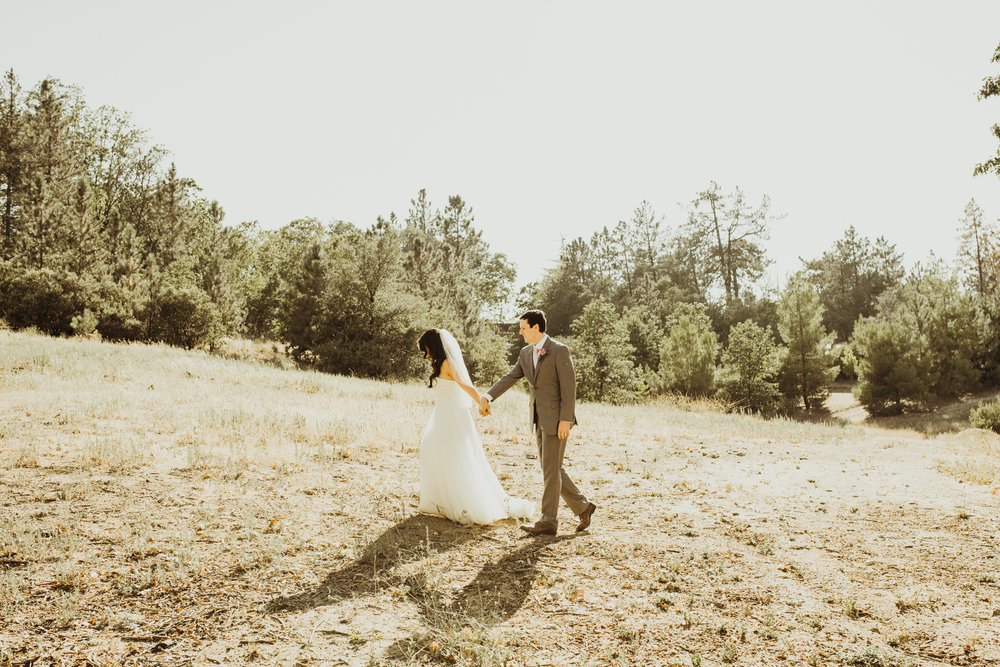 ©Isaiah + Taylor Photography - Sacred Mountain Ranch Wedding, Julian CA-123.jpg