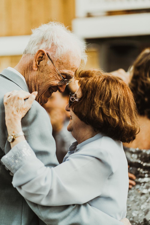©Isaiah + Taylor Photography - Sacred Mountain Ranch Wedding, Julian CA-154.jpg