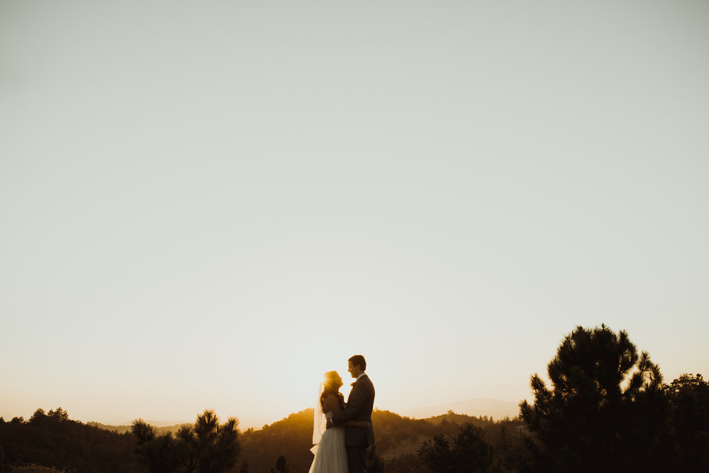 ©Isaiah + Taylor Photography - Sacred Mountain Ranch Wedding, Julian CA-163.jpg