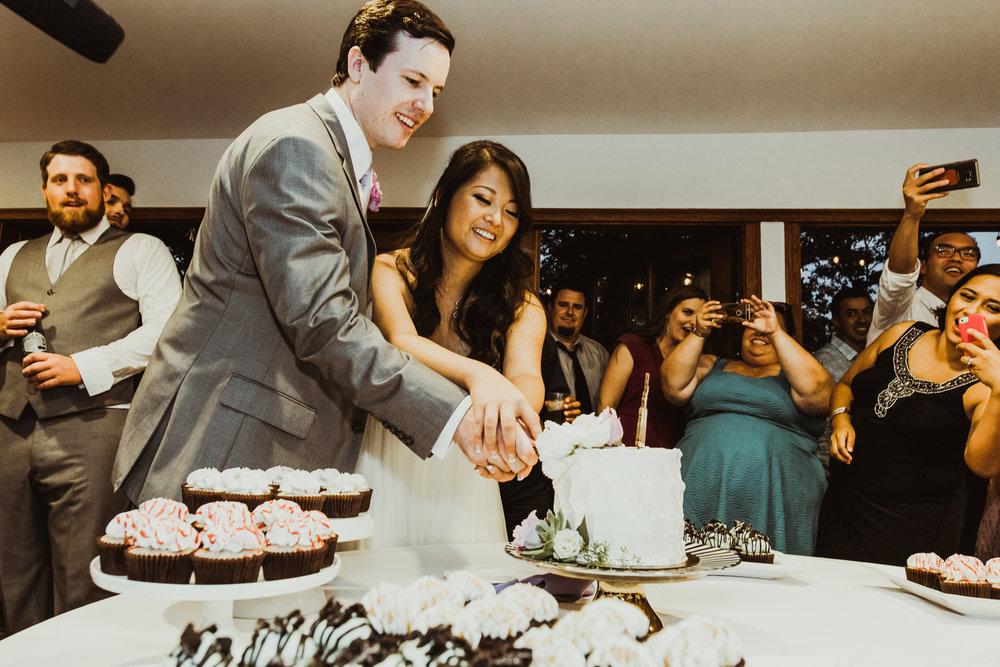 ©Isaiah + Taylor Photography - Sacred Mountain Ranch Wedding, Julian CA-178.jpg