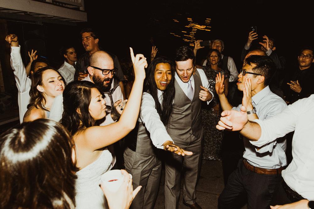 ©Isaiah + Taylor Photography - Sacred Mountain Ranch Wedding, Julian CA-189.jpg