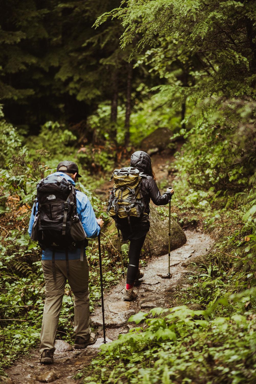©Isaiah-&-Taylor-Photography---Hidden-Lake-Cascade-Mountains-Engagement,-Washington-002.jpg