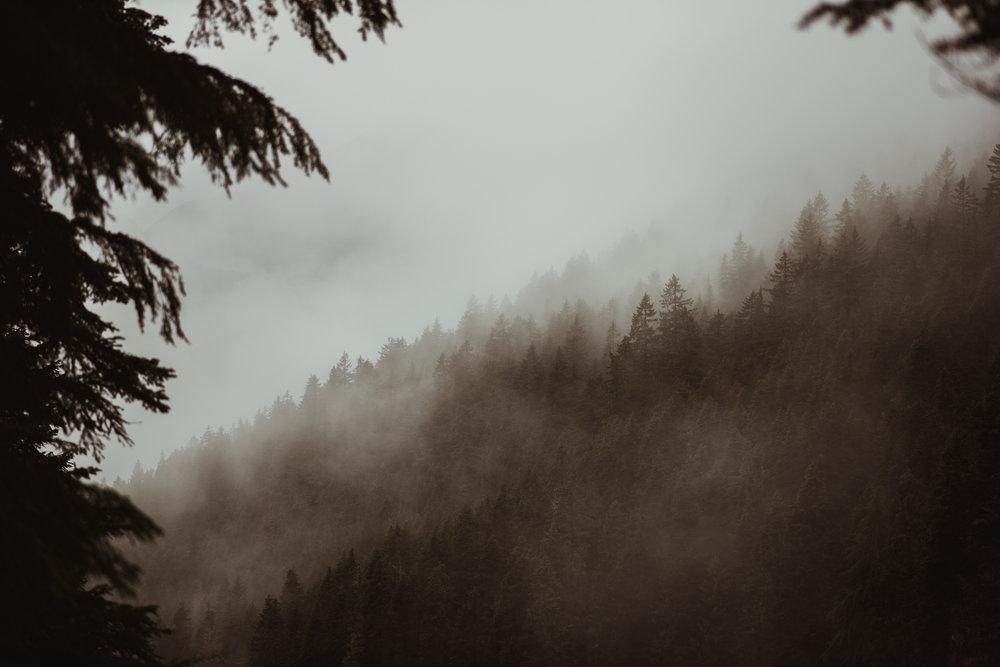 ©Isaiah-&-Taylor-Photography---Hidden-Lake-Cascade-Mountains-Engagement,-Washington-005.jpg