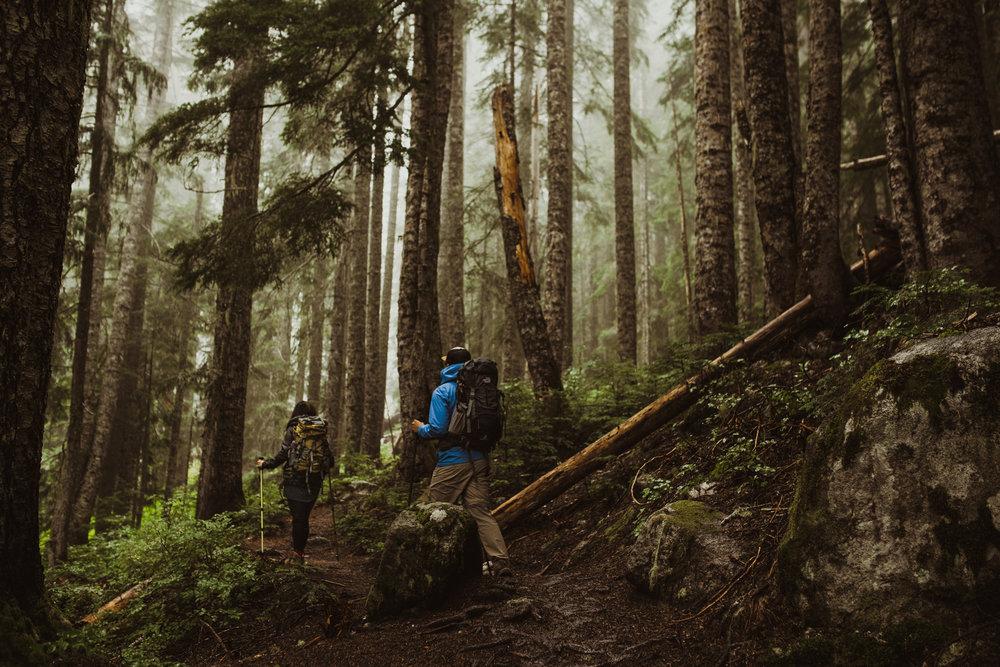 ©Isaiah-&-Taylor-Photography---Hidden-Lake-Cascade-Mountains-Engagement,-Washington-004.jpg