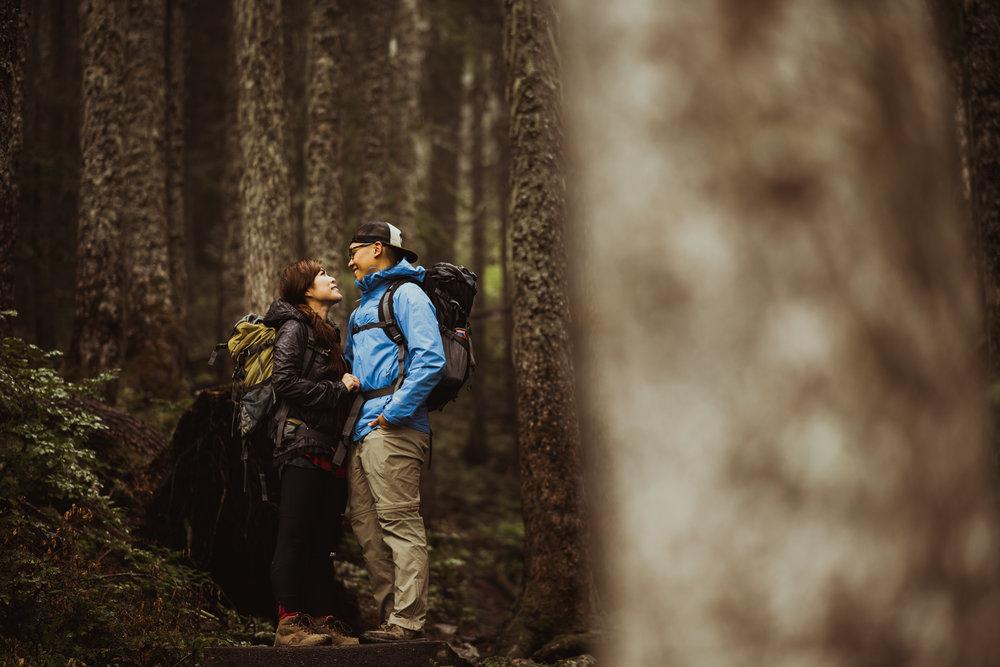 ©Isaiah-&-Taylor-Photography---Hidden-Lake-Cascade-Mountains-Engagement,-Washington-008.jpg