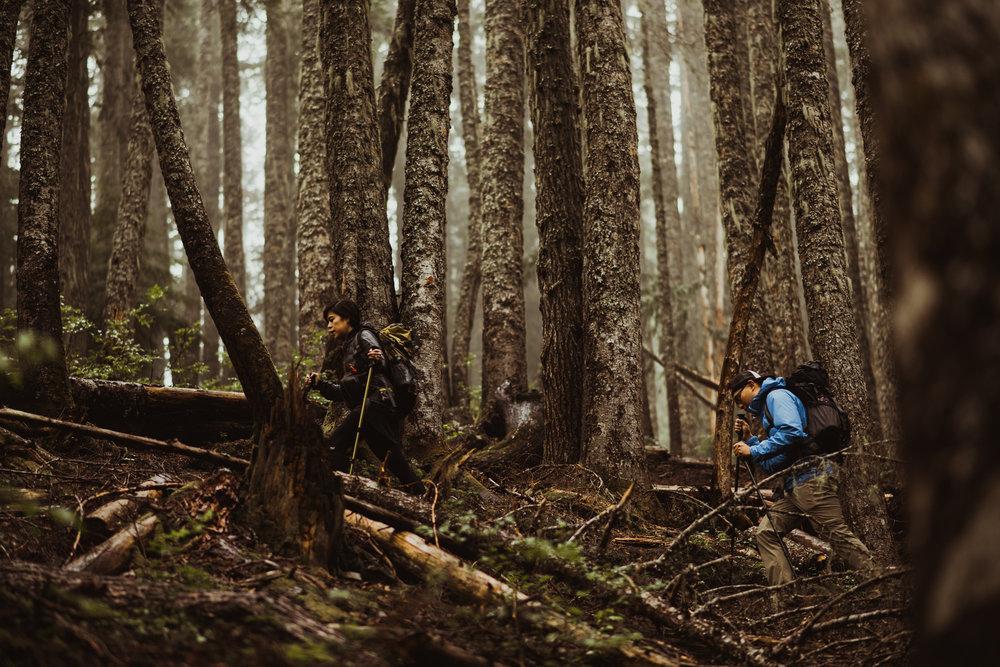 ©Isaiah-&-Taylor-Photography---Hidden-Lake-Cascade-Mountains-Engagement,-Washington-010.jpg