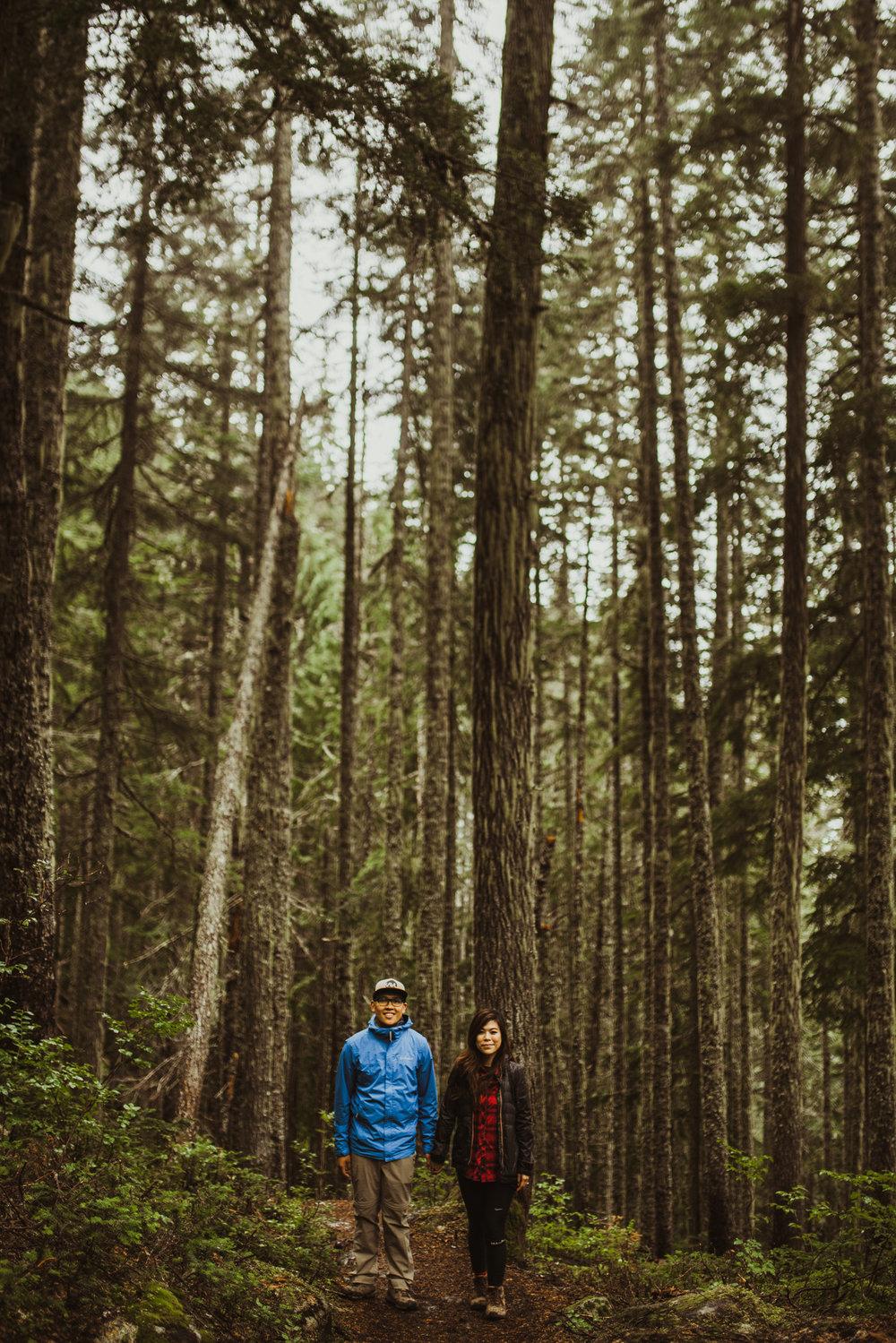 ©Isaiah-&-Taylor-Photography---Hidden-Lake-Cascade-Mountains-Engagement,-Washington-013.jpg