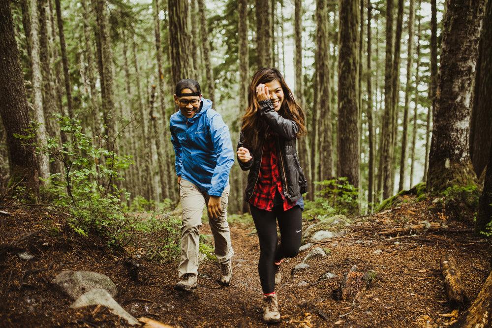 ©Isaiah-&-Taylor-Photography---Hidden-Lake-Cascade-Mountains-Engagement,-Washington-018.jpg
