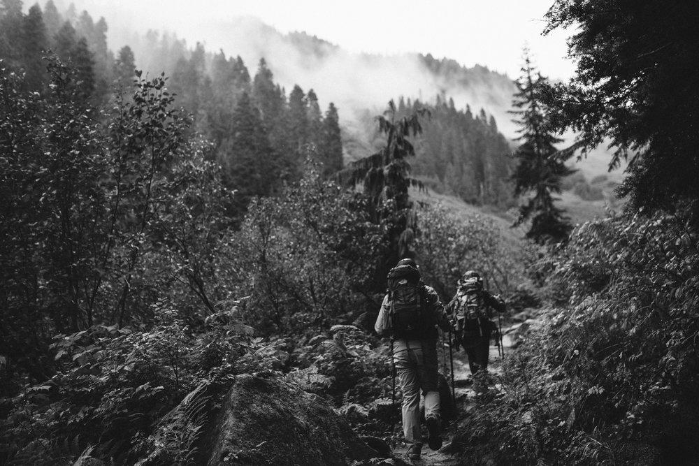 ©Isaiah-&-Taylor-Photography---Hidden-Lake-Cascade-Mountains-Engagement,-Washington-023.jpg