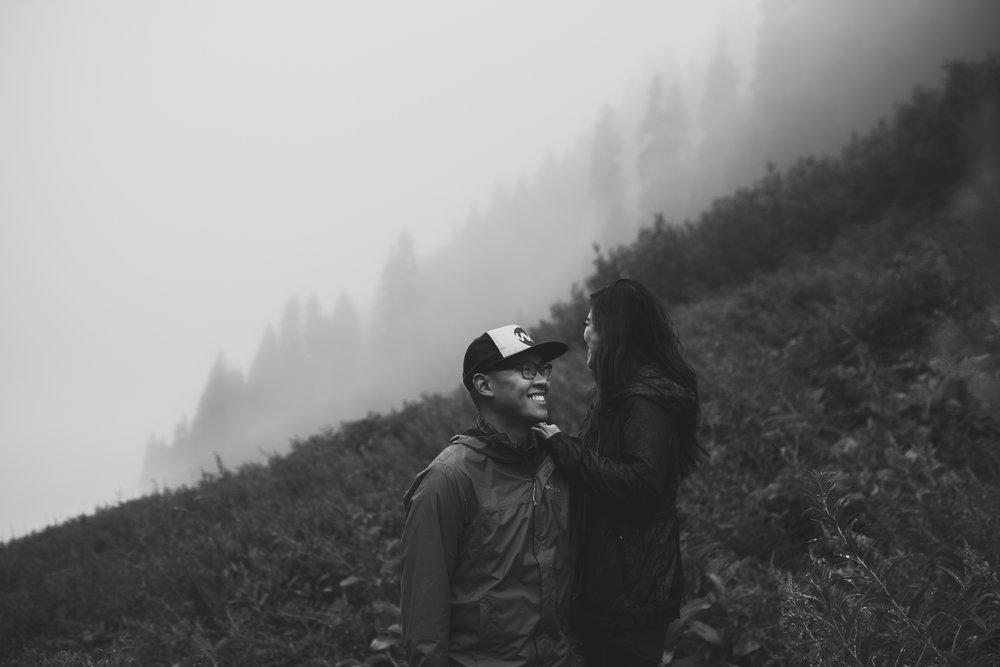 ©Isaiah-&-Taylor-Photography---Hidden-Lake-Cascade-Mountains-Engagement,-Washington-030.jpg