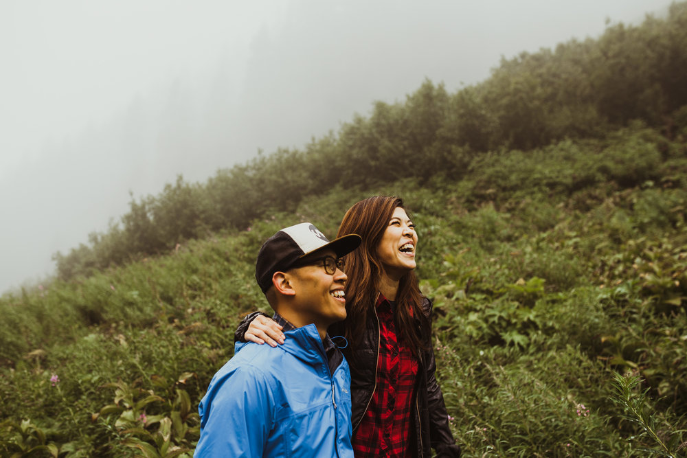 ©Isaiah-&-Taylor-Photography---Hidden-Lake-Cascade-Mountains-Engagement,-Washington-031.jpg