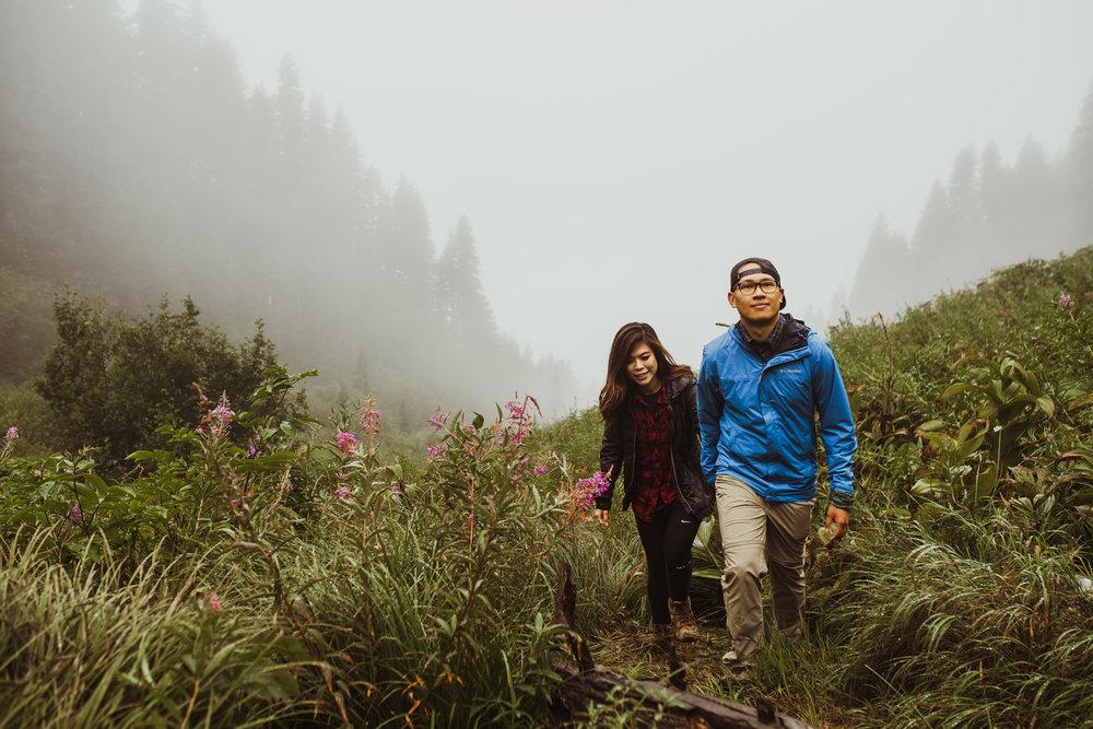 ©Isaiah-&-Taylor-Photography---Hidden-Lake-Cascade-Mountains-Engagement,-Washington-035.jpg