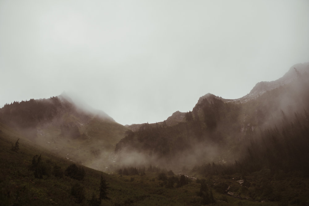 ©Isaiah-&-Taylor-Photography---Hidden-Lake-Cascade-Mountains-Engagement,-Washington-044.jpg