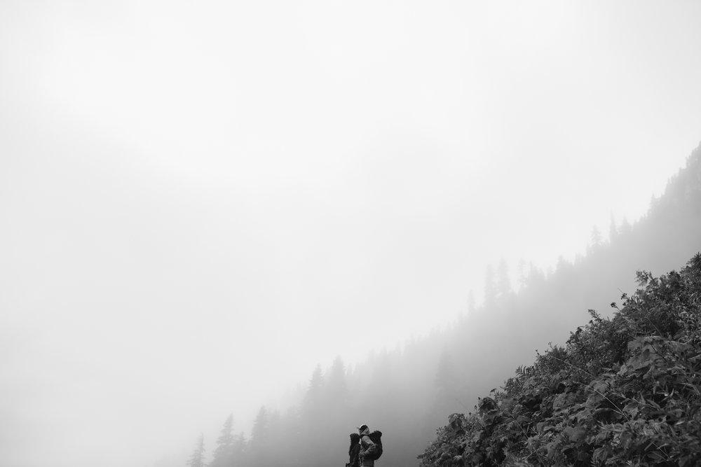 ©Isaiah-&-Taylor-Photography---Hidden-Lake-Cascade-Mountains-Engagement,-Washington-045.jpg
