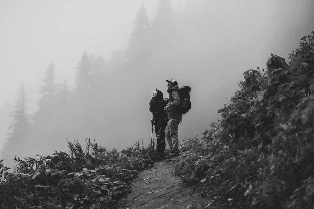 ©Isaiah-&-Taylor-Photography---Hidden-Lake-Cascade-Mountains-Engagement,-Washington-047.jpg