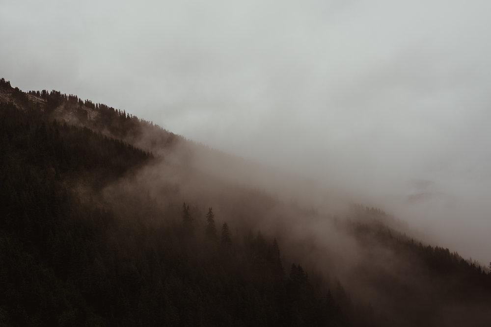 ©Isaiah-&-Taylor-Photography---Hidden-Lake-Cascade-Mountains-Engagement,-Washington-049.jpg