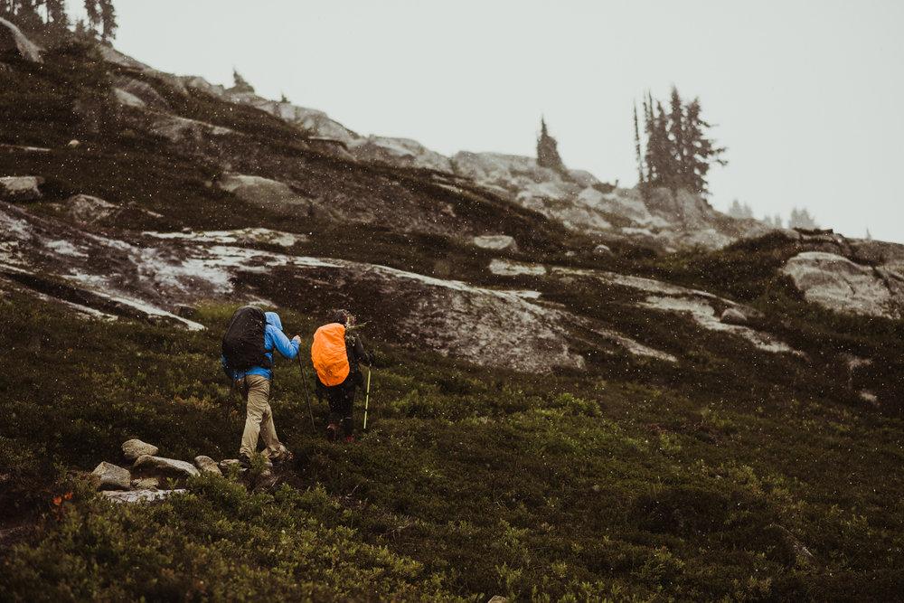 ©Isaiah-&-Taylor-Photography---Hidden-Lake-Cascade-Mountains-Engagement,-Washington-052.jpg