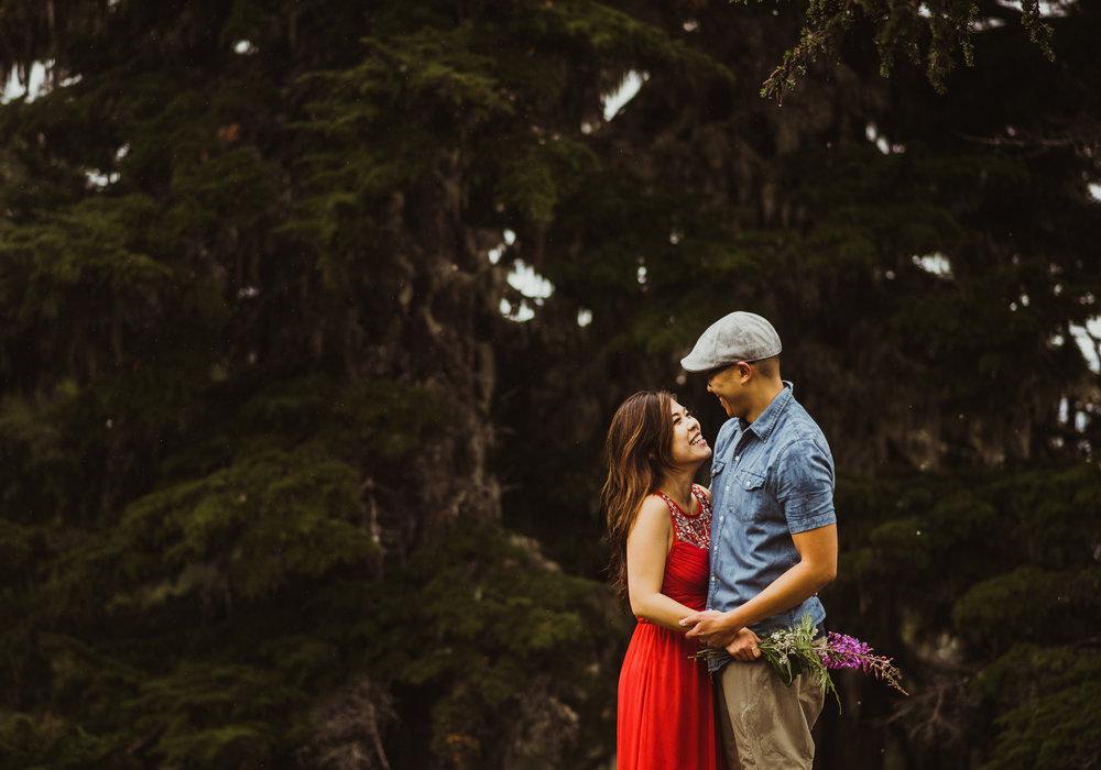 ©Isaiah-&-Taylor-Photography---Hidden-Lake-Cascade-Mountains-Engagement,-Washington-058.jpg
