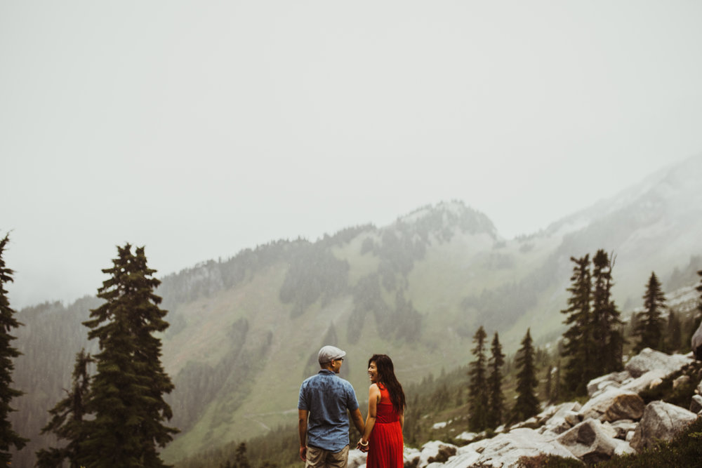 ©Isaiah-&-Taylor-Photography---Hidden-Lake-Cascade-Mountains-Engagement,-Washington-064.jpg