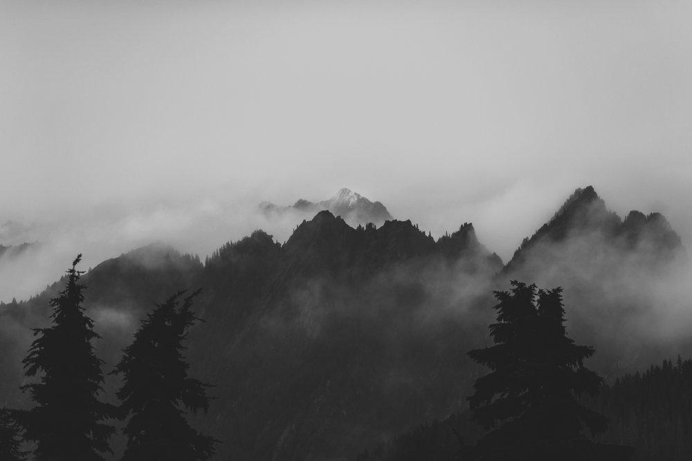 ©Isaiah-&-Taylor-Photography---Hidden-Lake-Cascade-Mountains-Engagement,-Washington-072.jpg