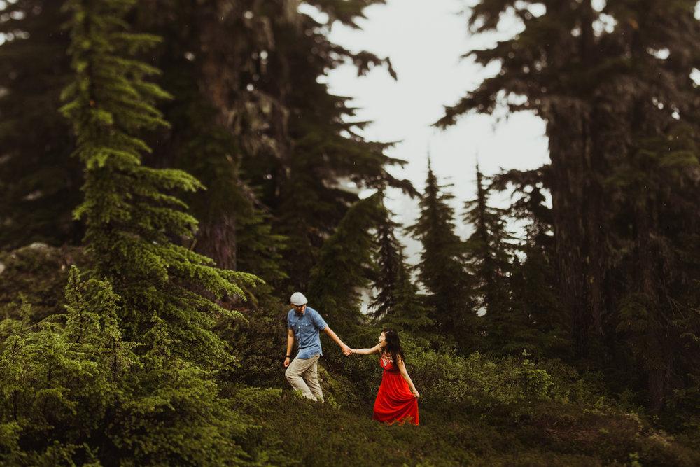 ©Isaiah-&-Taylor-Photography---Hidden-Lake-Cascade-Mountains-Engagement,-Washington-083.jpg