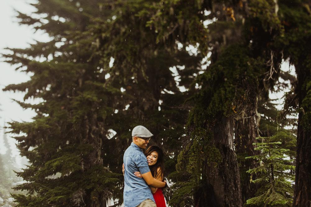 ©Isaiah-&-Taylor-Photography---Hidden-Lake-Cascade-Mountains-Engagement,-Washington-086.jpg