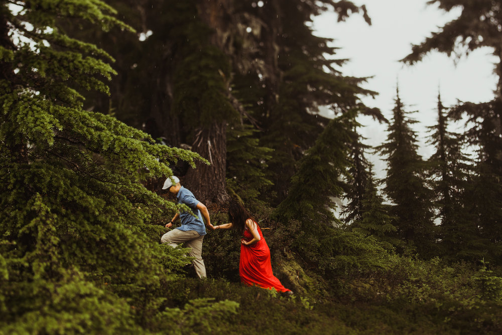 ©Isaiah-&-Taylor-Photography---Hidden-Lake-Cascade-Mountains-Engagement,-Washington-085.jpg