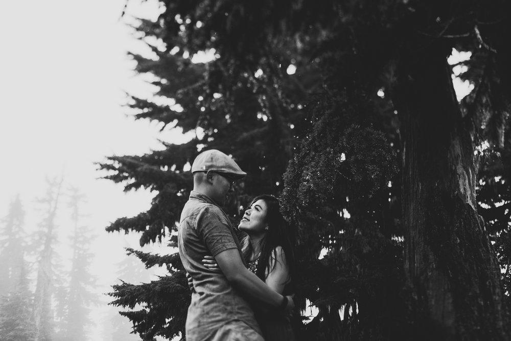 ©Isaiah-&-Taylor-Photography---Hidden-Lake-Cascade-Mountains-Engagement,-Washington-087.jpg
