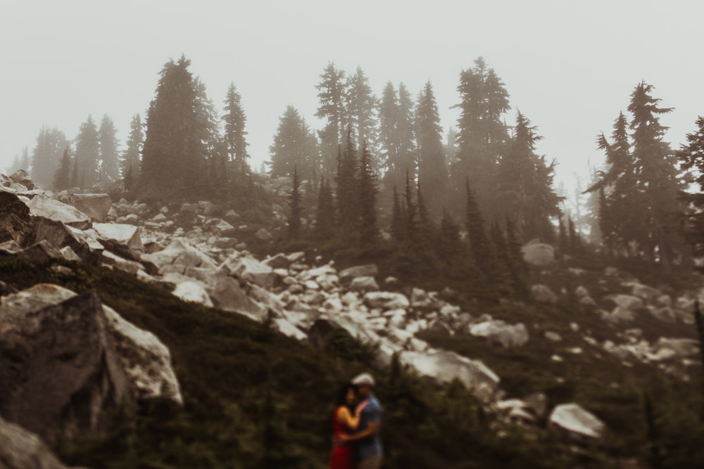 ©Isaiah-&-Taylor-Photography---Hidden-Lake-Cascade-Mountains-Engagement,-Washington-090.jpg