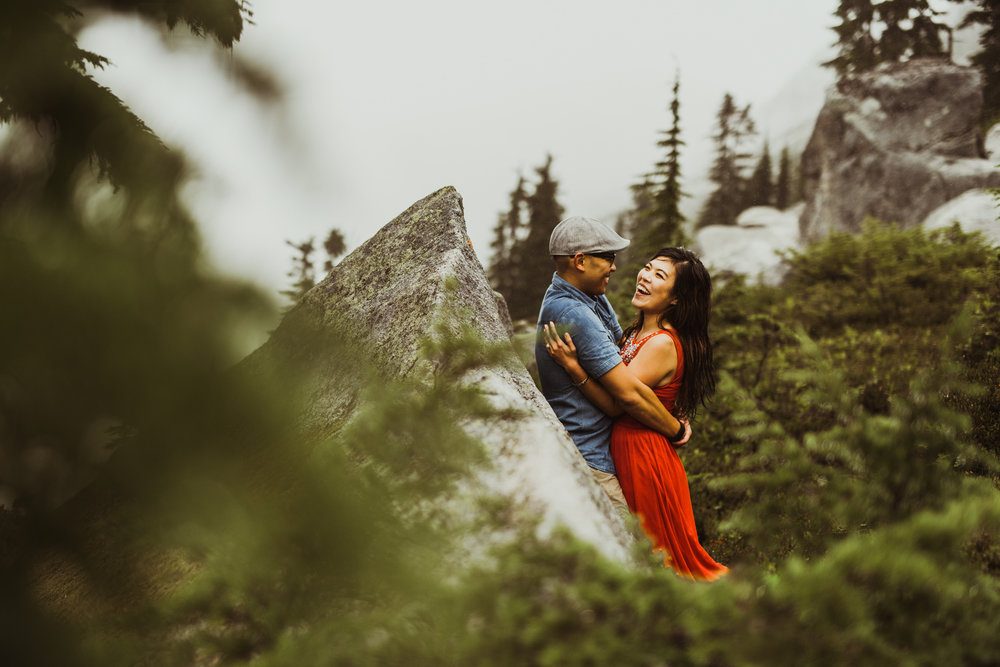 ©Isaiah-&-Taylor-Photography---Hidden-Lake-Cascade-Mountains-Engagement,-Washington-093.jpg