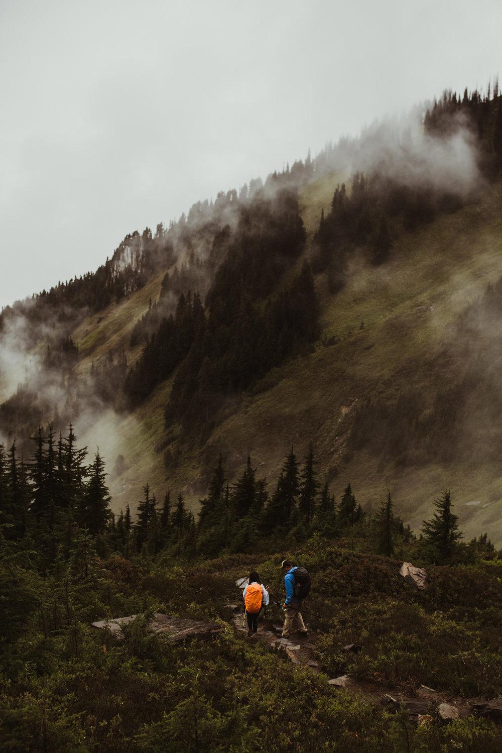 ©Isaiah-&-Taylor-Photography---Hidden-Lake-Cascade-Mountains-Engagement,-Washington-100.jpg