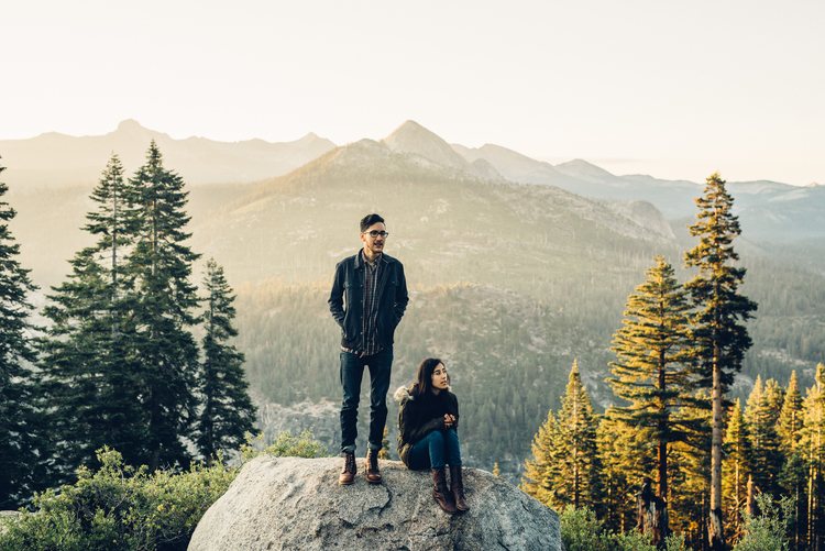 ©Isaiah+&+Taylor+Photography+-+Los+Angeles+Destination+Wedding+Photographer+-+Yosemite+National+Park+Hiking+Adventure+Engagement+-+Glacier+Point+Sunrise-011.jpg