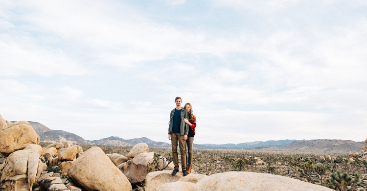 ©Isaiah+&+Taylor+Photography+-+Destination+Wedding+Photographers+-+Joshua+Tree,+California+Adventure+Engagement-028.jpg