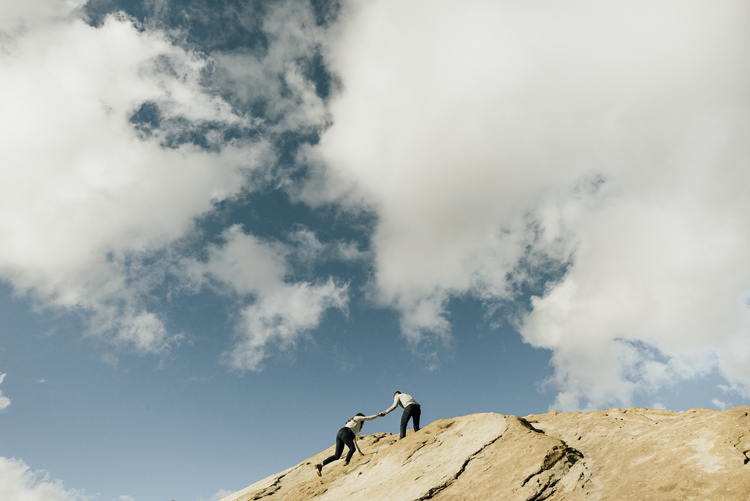 ©Isaiah-&-Taylor-Photography---Vasquez-Rocks-Engagement-019.jpg