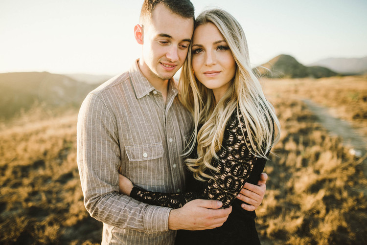 ©Isaiah+&+Taylor+Photography+-+Los+Angeles+Wedding+Photographer+-+Orange+County+Sunset+Hillside+Engagement+-+-13.jpg