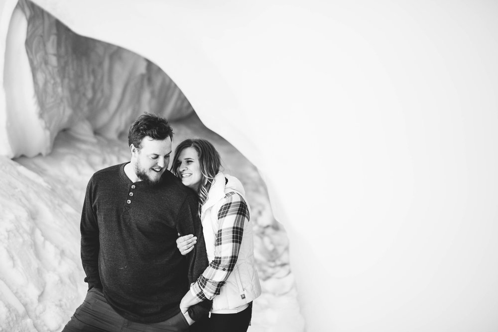 Isaiah-&-Taylor-Photography---Matt-&-Lindsay-Engagement-235.jpg
