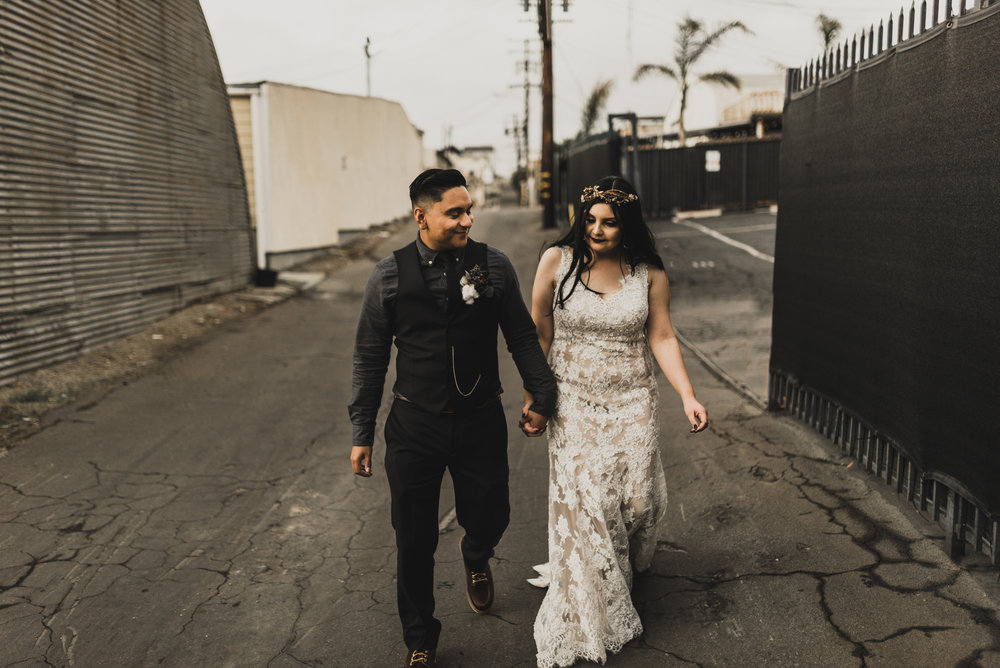 ©Isaiah + Taylor Photography - Smoky Hollow Studios Wedding, El Segundo, Los Angeles Wedding Photographer-104.jpg
