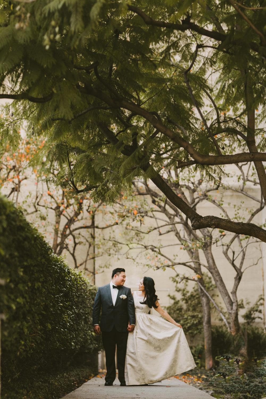 ©Isaiah + Taylor Photography - David + Grace - Wedding - 20170115 06794.jpg