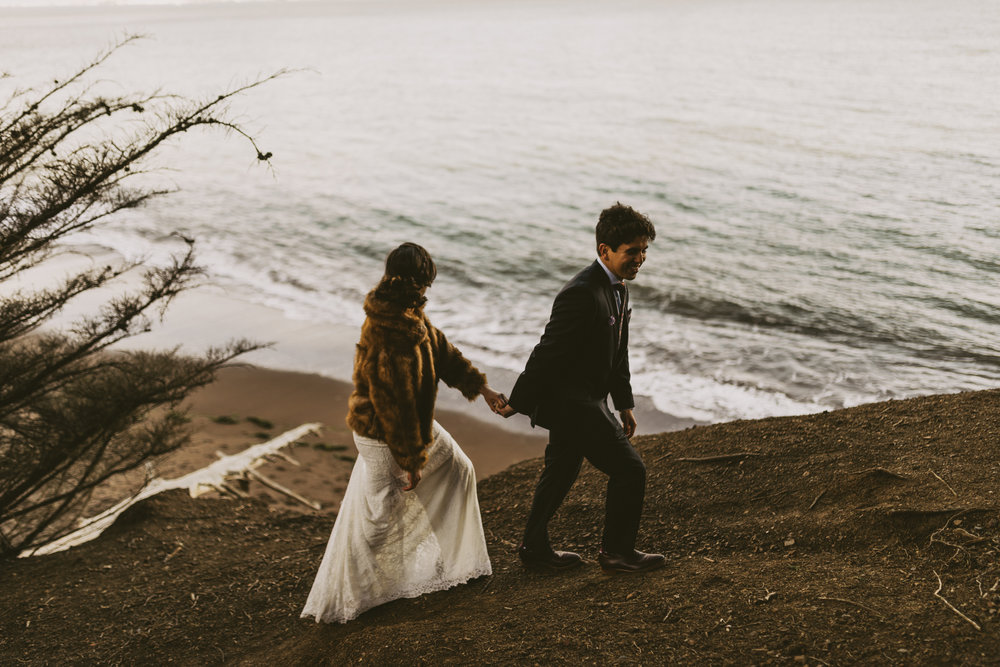 ©Isaiah + Taylor Photography - San Fransisco Elopement, Golden Gate Bridge-34.jpg