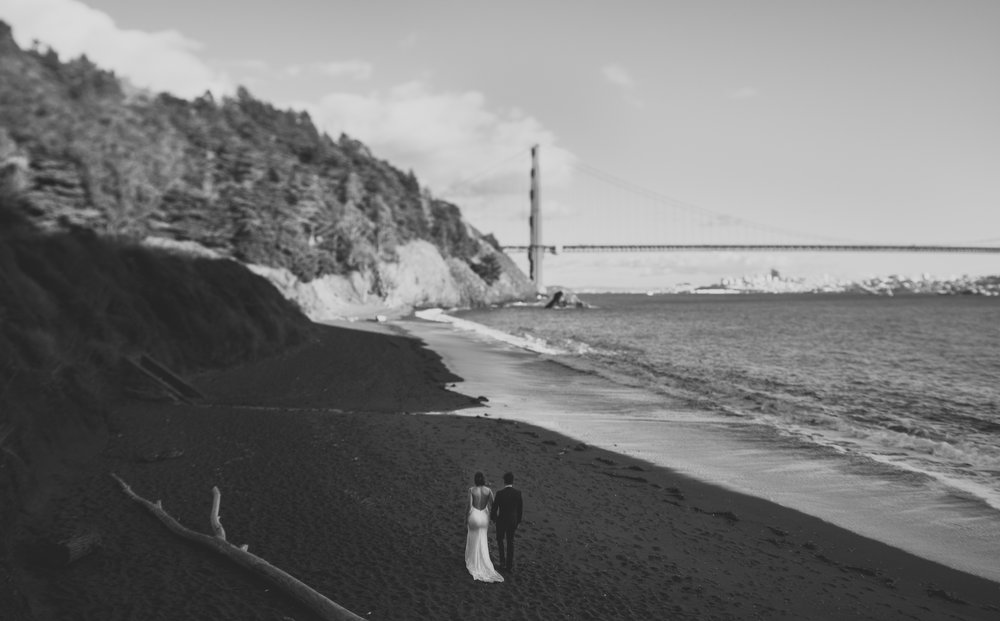 ©Isaiah + Taylor Photography - San Fransisco Elopement, Golden Gate Bridge-42.jpg