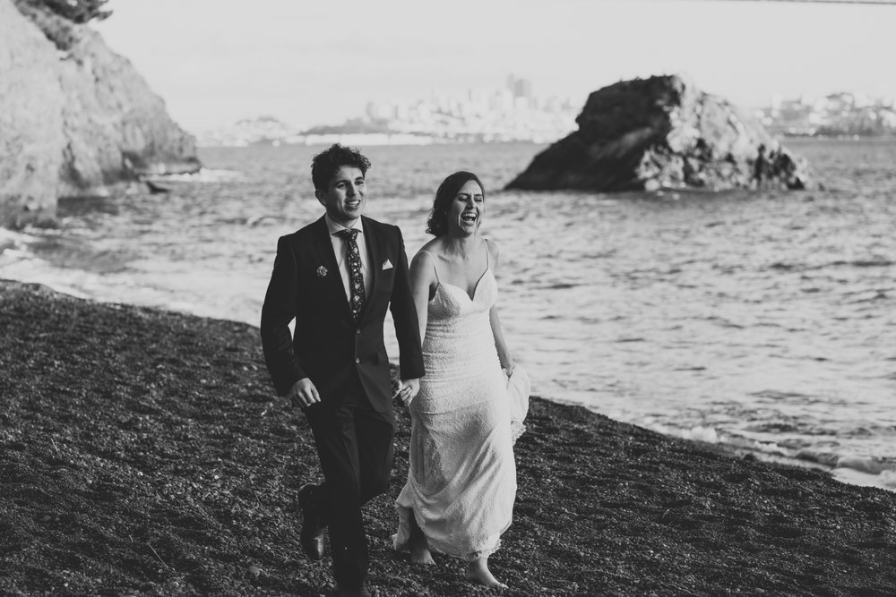 ©Isaiah + Taylor Photography - San Fransisco Elopement, Golden Gate Bridge-83.jpg