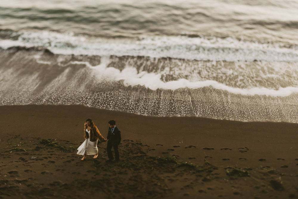 ©Isaiah + Taylor Photography - San Fransisco Elopement, Golden Gate Bridge-105.jpg