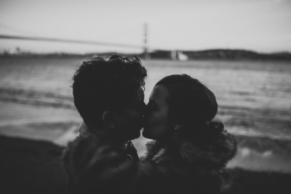 ©Isaiah + Taylor Photography - San Fransisco Elopement, Golden Gate Bridge-108.jpg
