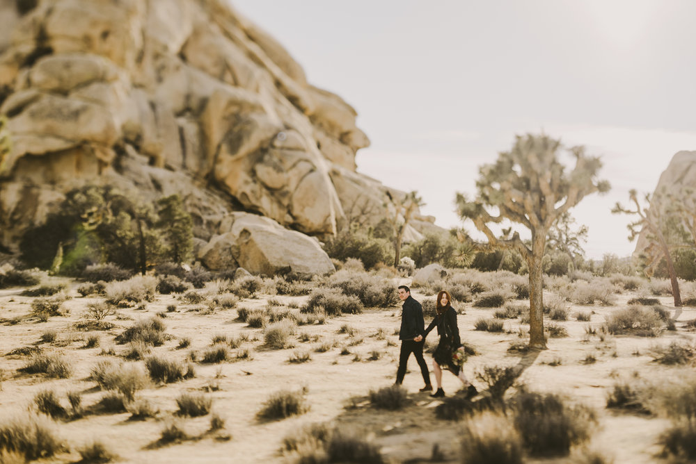 ©Isaiah + Taylor Photography - Joshua Tree Wedding Photographer-10.jpg