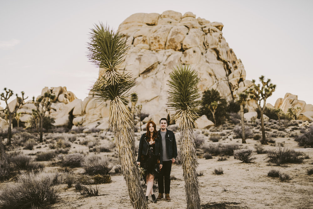 ©Isaiah + Taylor Photography - Joshua Tree Wedding Photographer-26.jpg