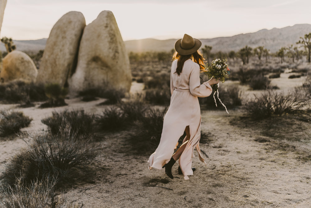 ©Isaiah + Taylor Photography - Joshua Tree Wedding Photographer-83.jpg