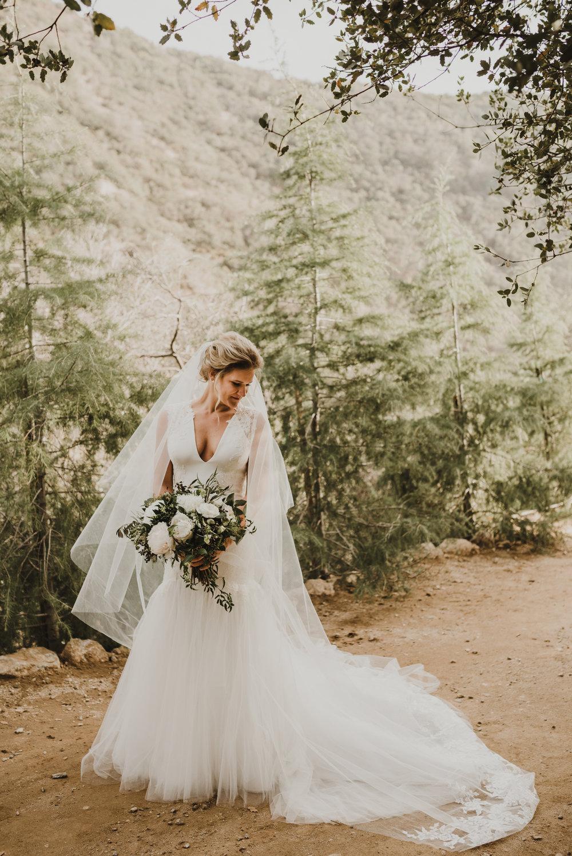 ©Isaiah + Taylor Photography - Serendipity Gardens Wedding, Oak Glen, San Bernarndino Wedding Photographer-13.jpg
